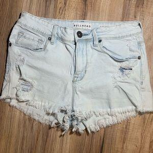 Bullhead frayed denim shorts
